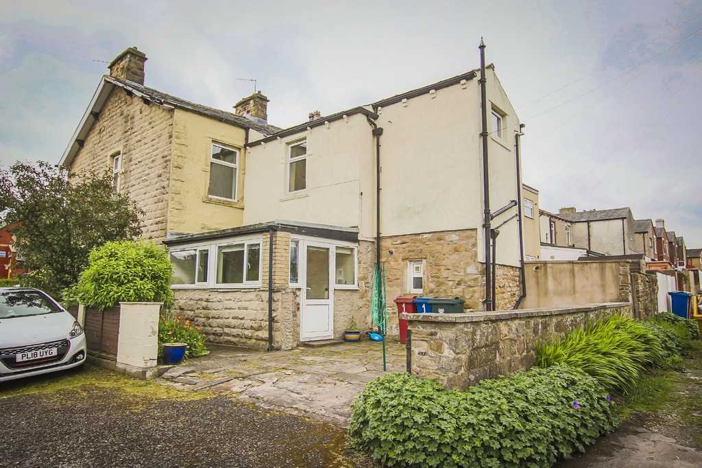 3 Bedroom End Terraced House To Rent - Image 35