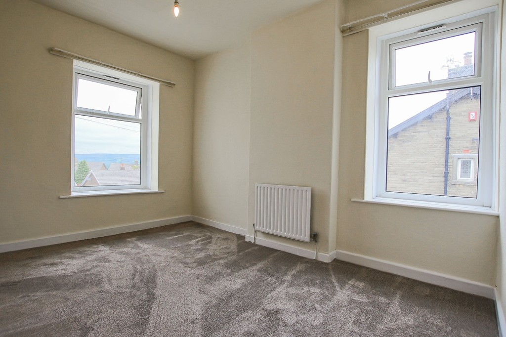 3 Bedroom End Terraced House To Rent - Image 7