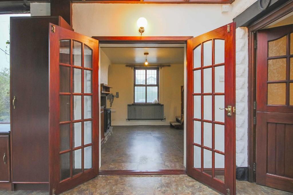 3 Bedroom Detached House To Rent - Image 10