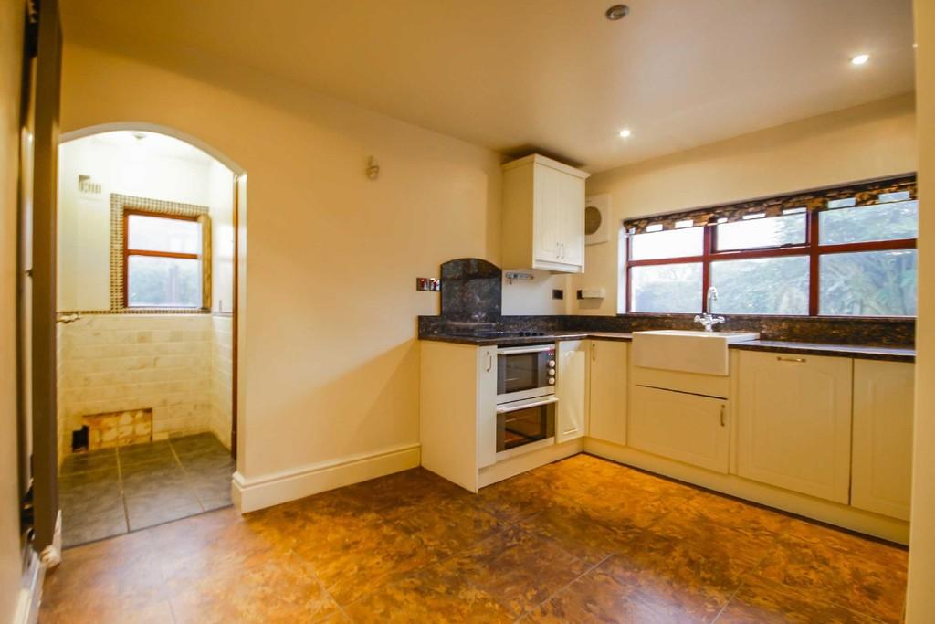 3 Bedroom Detached House To Rent - Image 16
