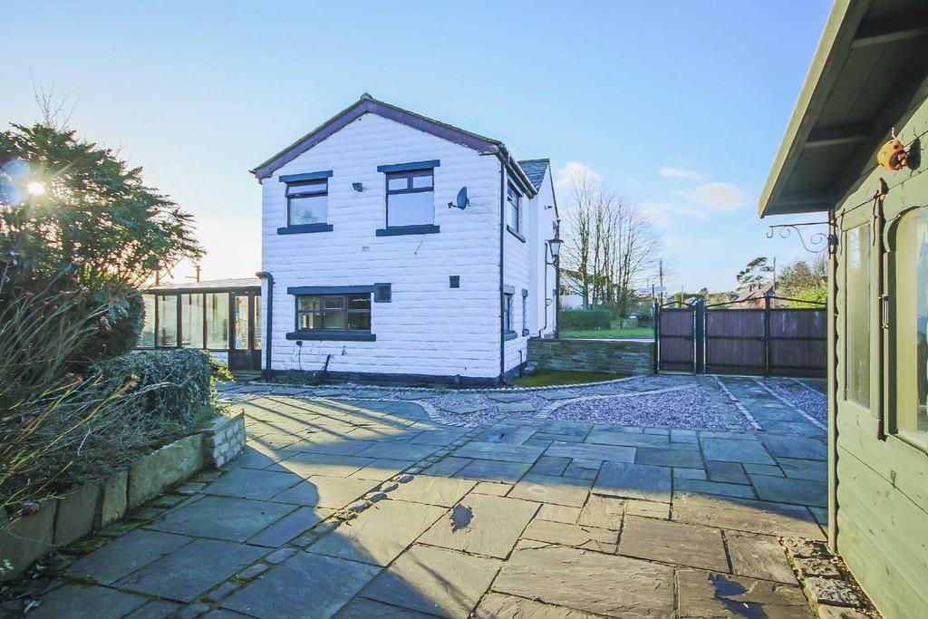 3 Bedroom Detached House To Rent - Image 13