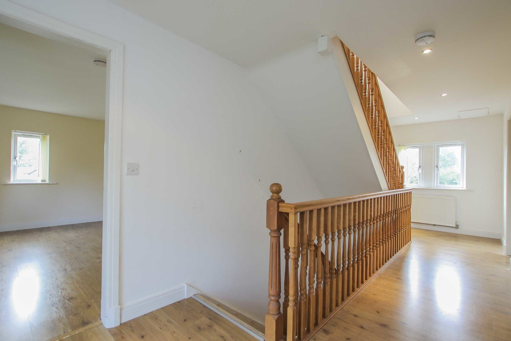 6 Bedroom Detached House To Rent - Image 35