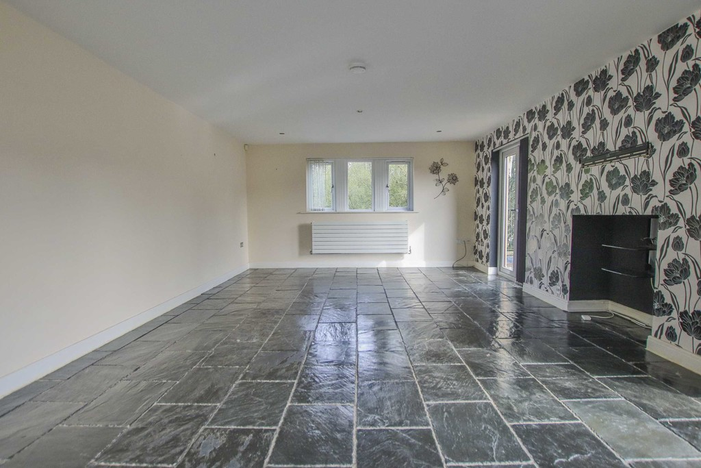 6 Bedroom Detached House To Rent - Image 36