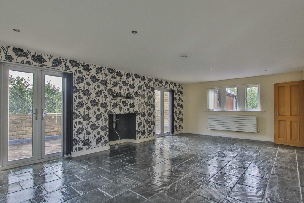 6 Bedroom Detached House To Rent - Image 11