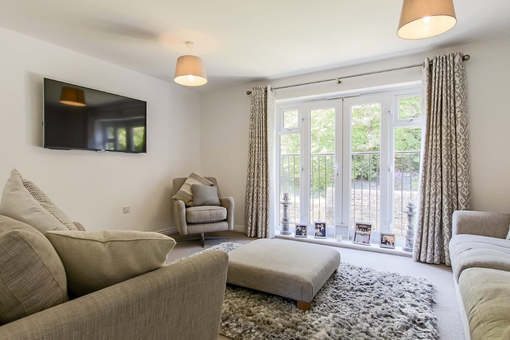 4 Bedroom End Terraced House To Rent - Image 19