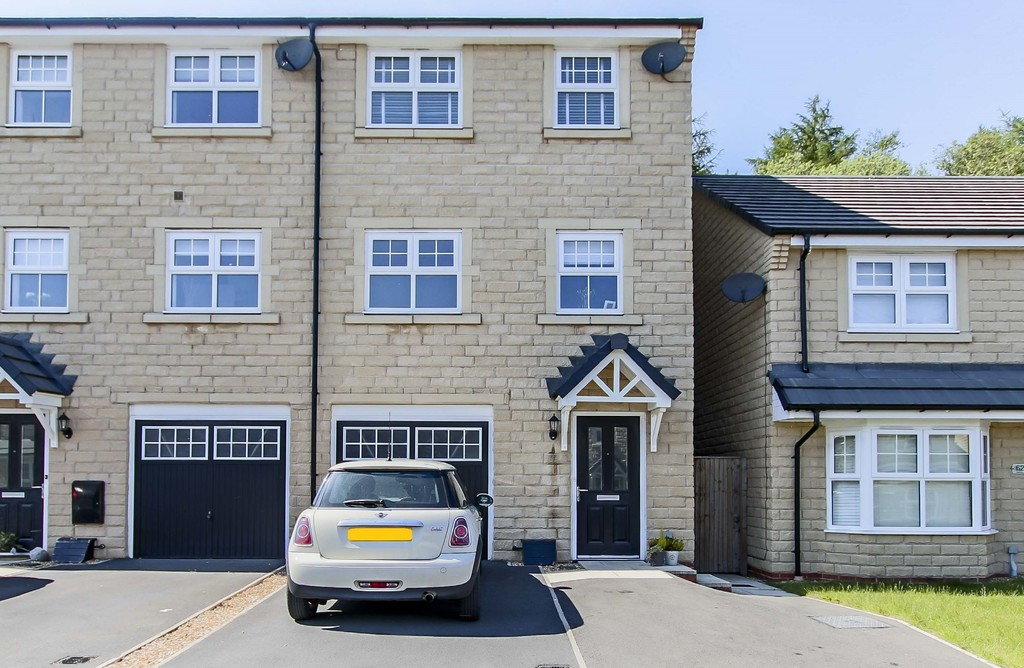 4 Bedroom End Terraced House To Rent - Image 2
