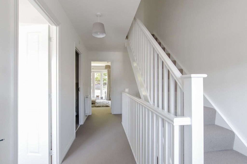 4 Bedroom End Terraced House To Rent - Image 17