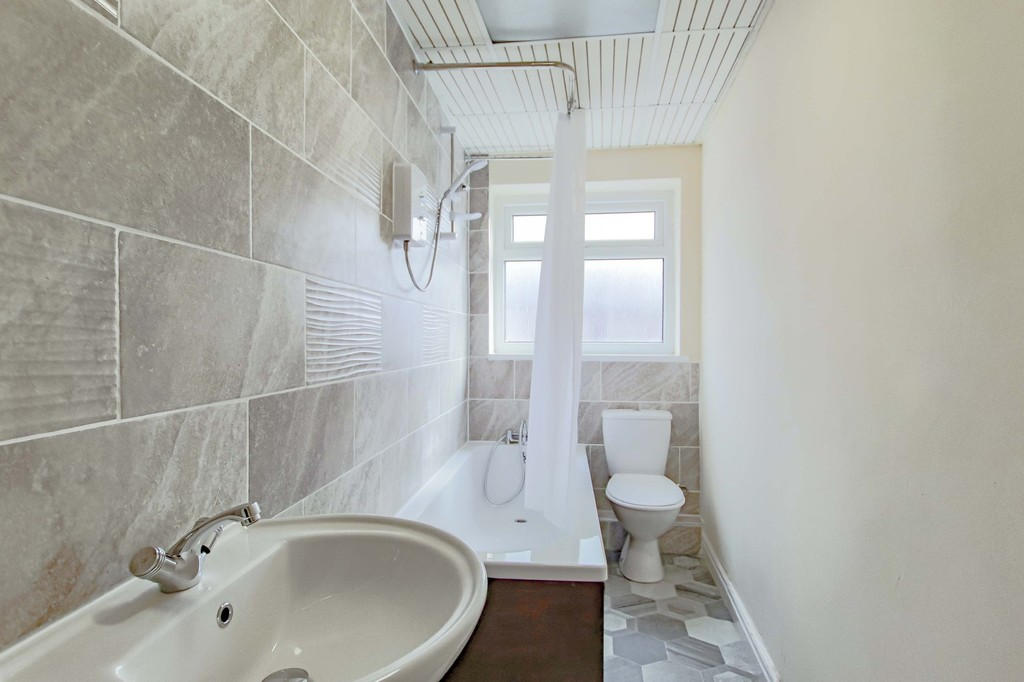 2 Bedroom Mid Terraced House To Rent - Image 10