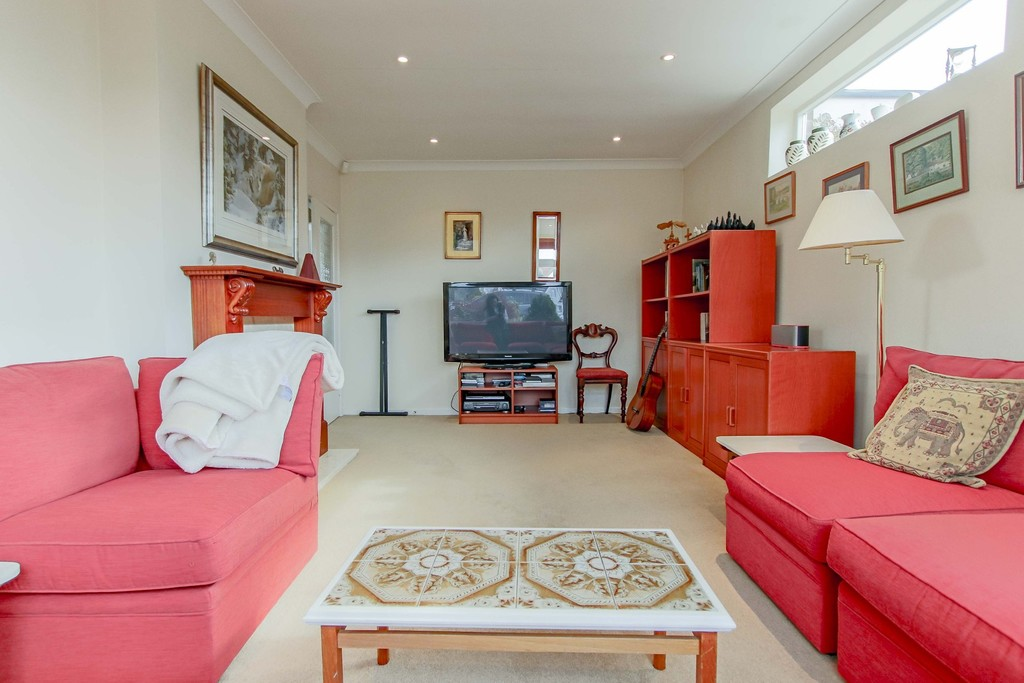 3 Bedroom Link Detached House To Rent - Image 26