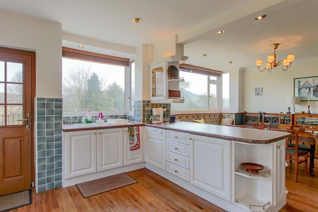 3 Bedroom Link Detached House To Rent - Image 5