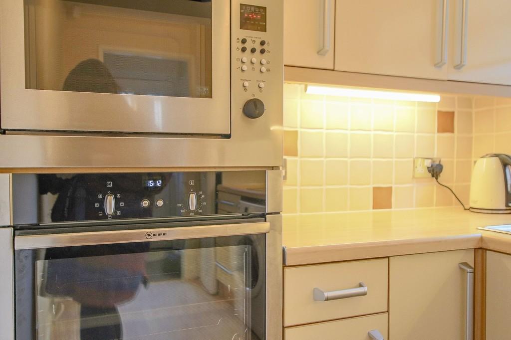 2 Bedroom Semi-detached Bungalow Bungalow To Rent - Image 19