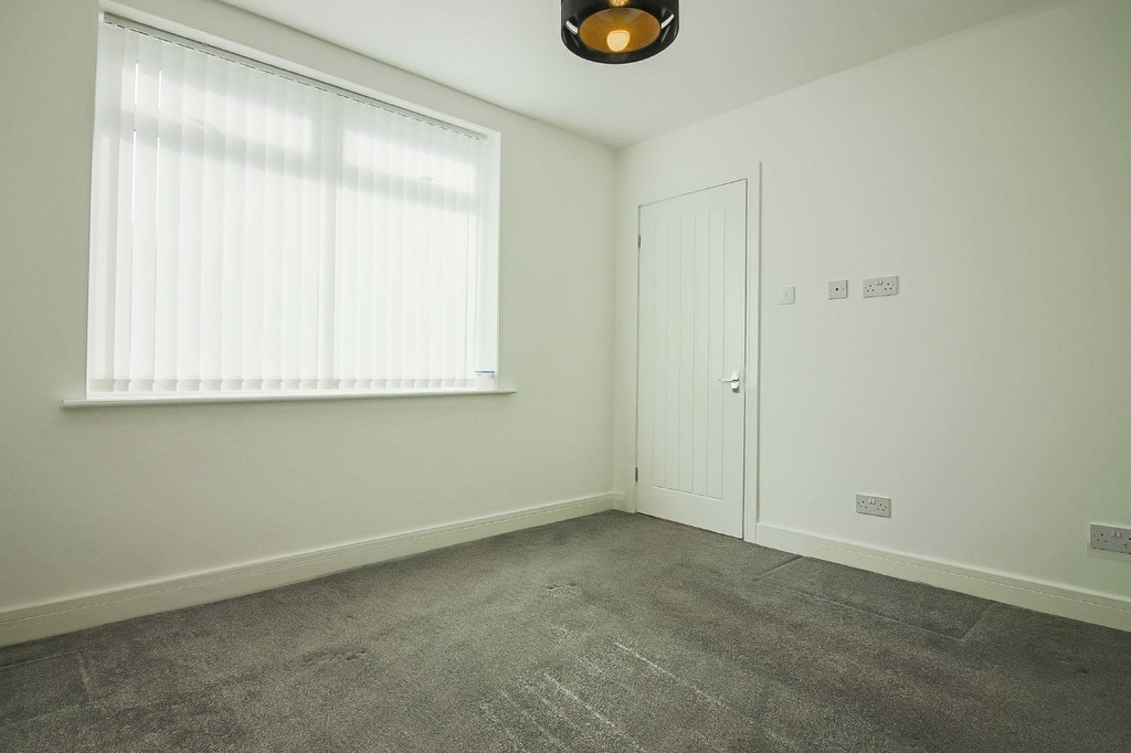 2 Bedroom Detached Bungalow Bungalow To Rent - Image 6