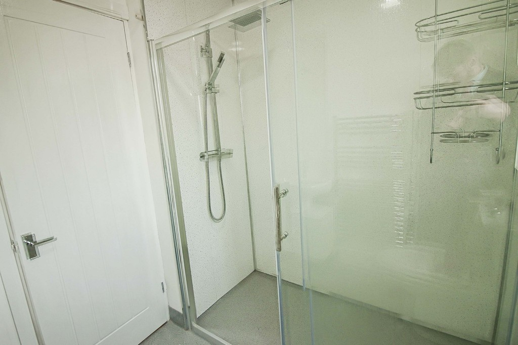 2 Bedroom Detached Bungalow Bungalow To Rent - Image 8