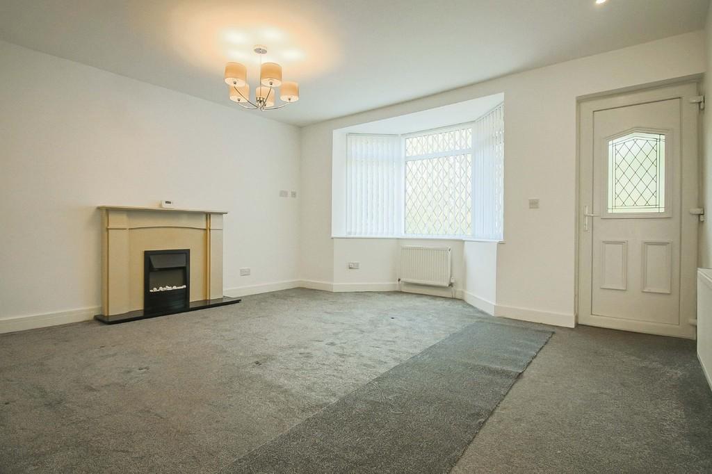 2 Bedroom Detached Bungalow Bungalow To Rent - Image 2
