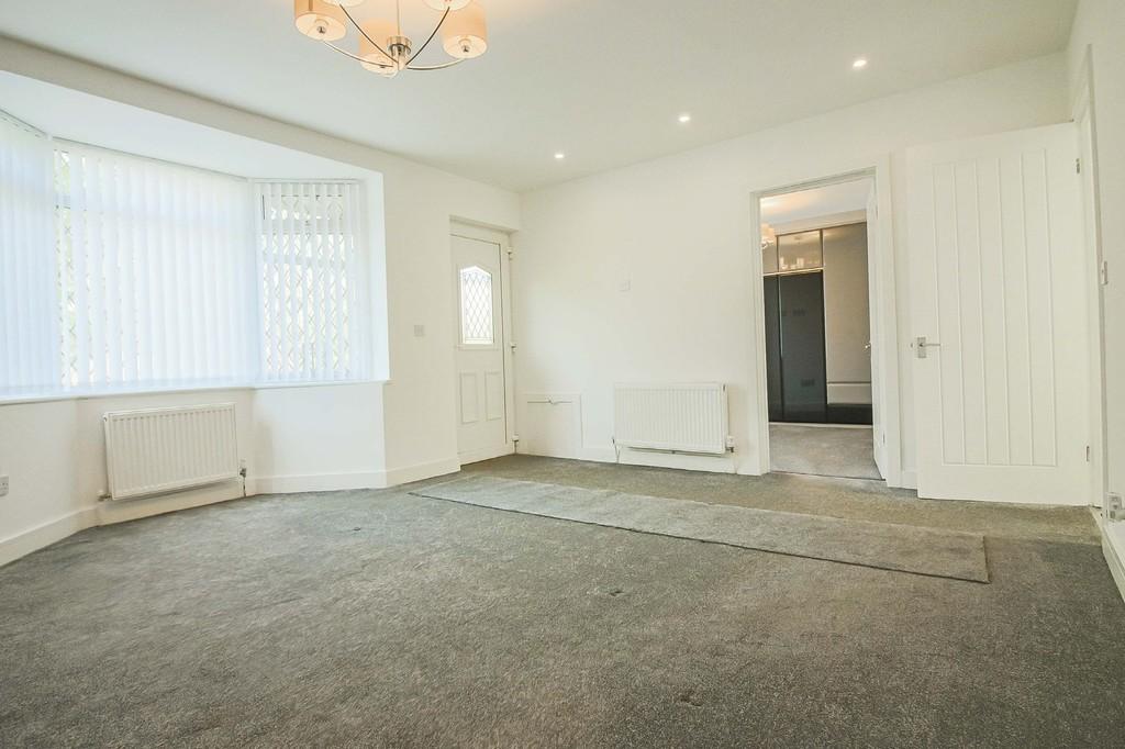 2 Bedroom Detached Bungalow Bungalow To Rent - Image 14