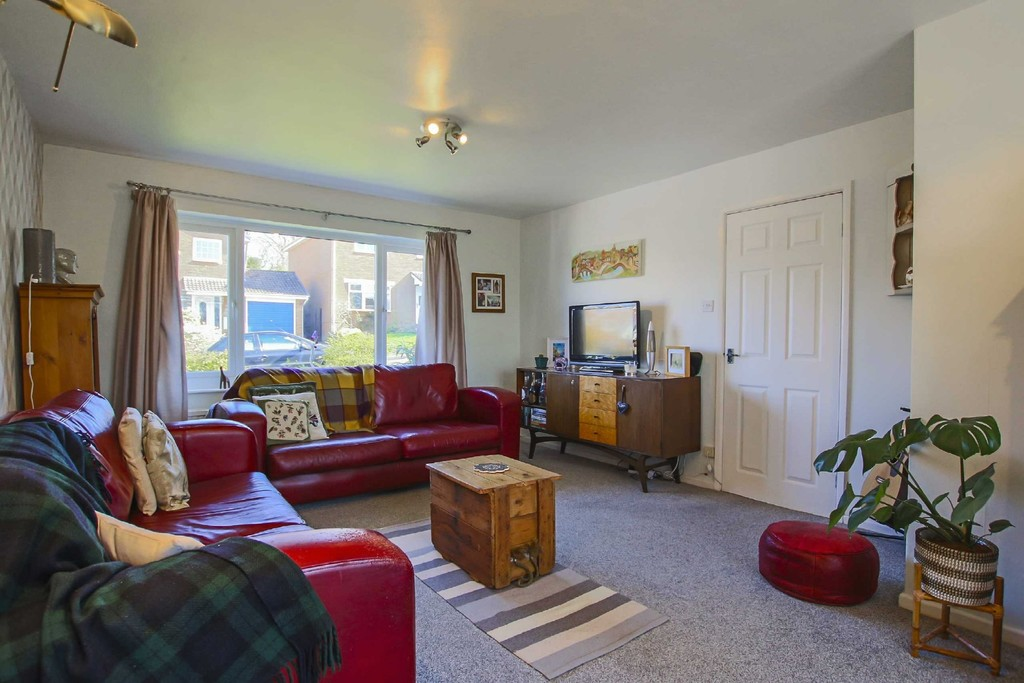4 Bedroom Detached House To Rent - Image 18