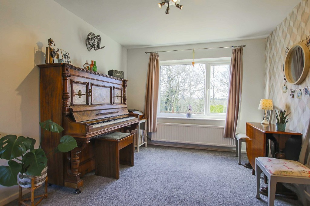 4 Bedroom Detached House To Rent - Image 19