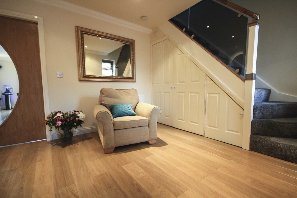 5 Bedroom Detached House To Rent - Image 16