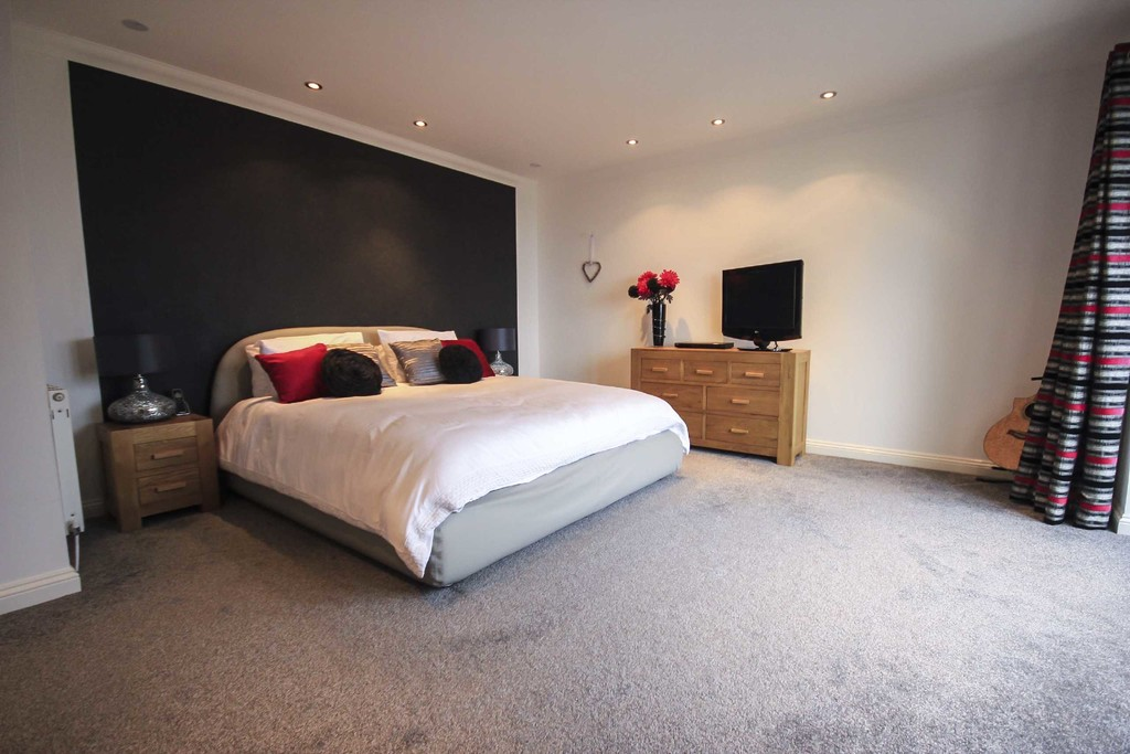 5 Bedroom Detached House To Rent - Image 7