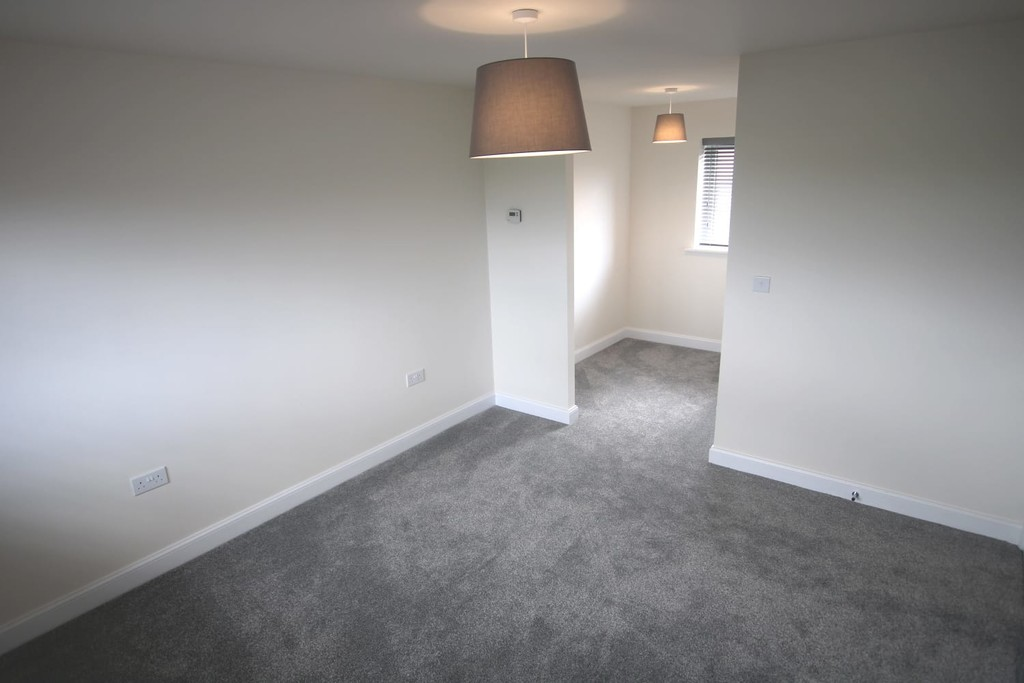 3 Bedroom Detached House To Rent - Image 20