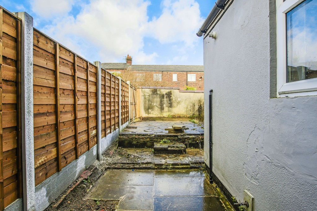 2 Bedroom End Terraced House To Rent - Image 13