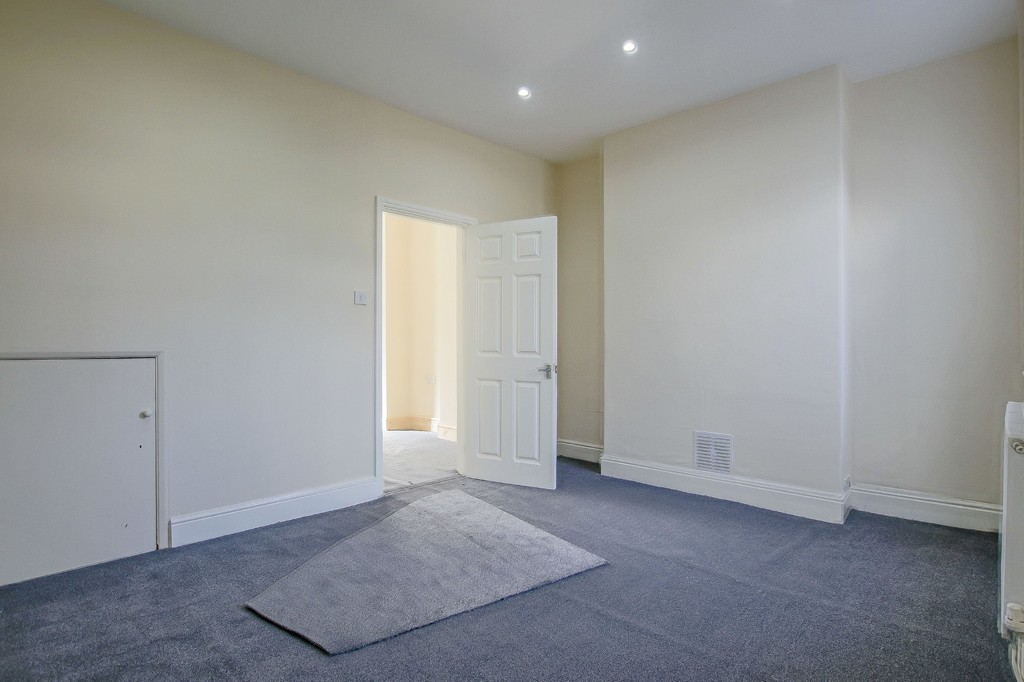 2 Bedroom End Terraced House To Rent - Image 8