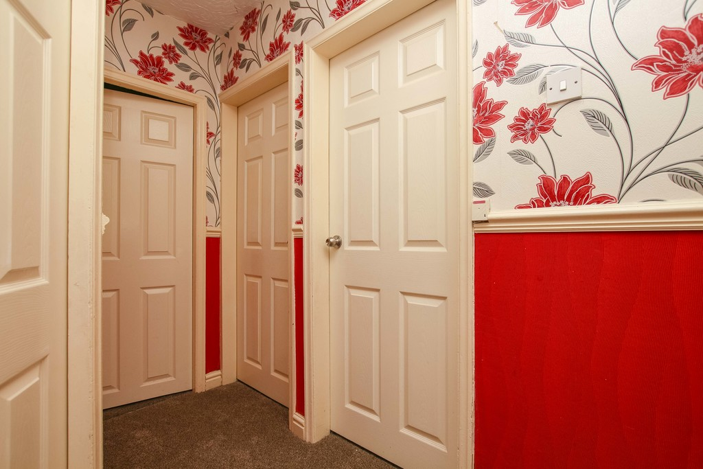 3 Bedroom Semi-detached House To Rent - Image 18