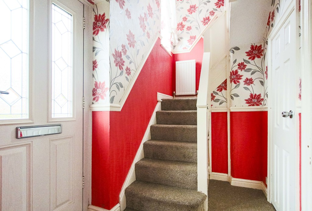 3 Bedroom Semi-detached House To Rent - Image 19