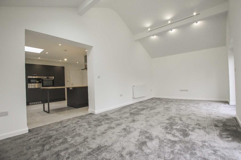 3 Bedroom Detached Bungalow Bungalow To Rent - Image 14