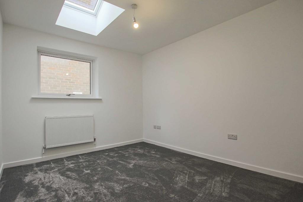 3 Bedroom Detached Bungalow Bungalow To Rent - Image 8