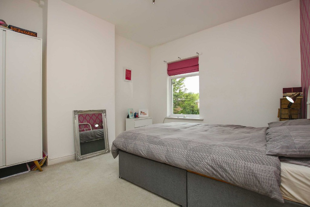 3 Bedroom End Terraced House To Rent - Image 19