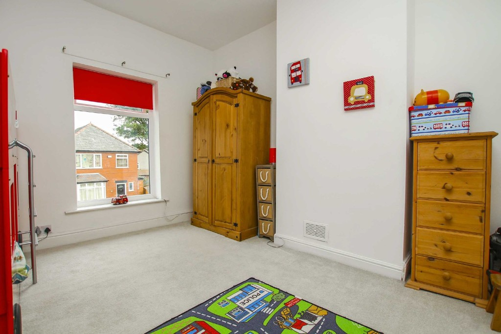 3 Bedroom End Terraced House To Rent - Image 20