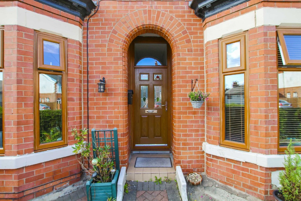 3 Bedroom End Terraced House To Rent - Image 11