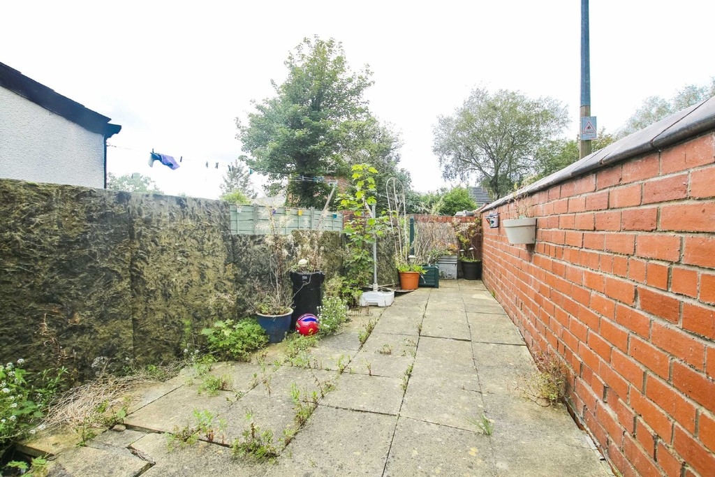 3 Bedroom End Terraced House To Rent - Image 24