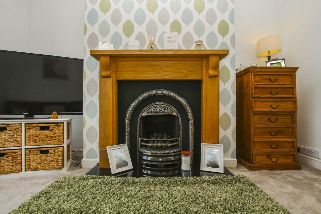 3 Bedroom End Terraced House To Rent - Image 14