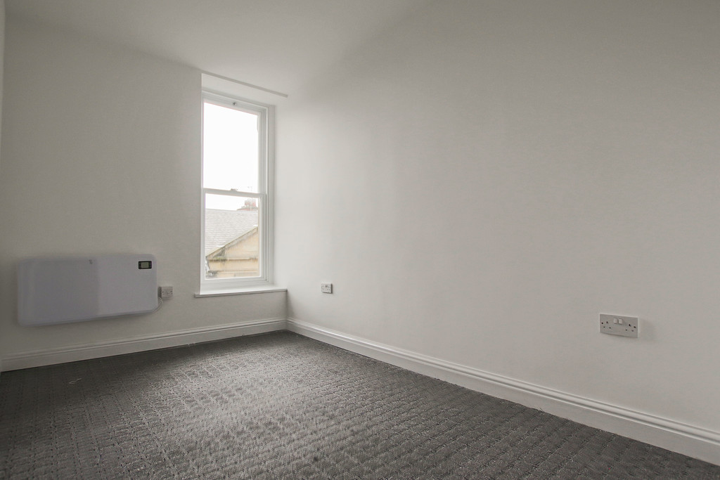 4 Bedroom Apartment Flat To Rent - Image 15