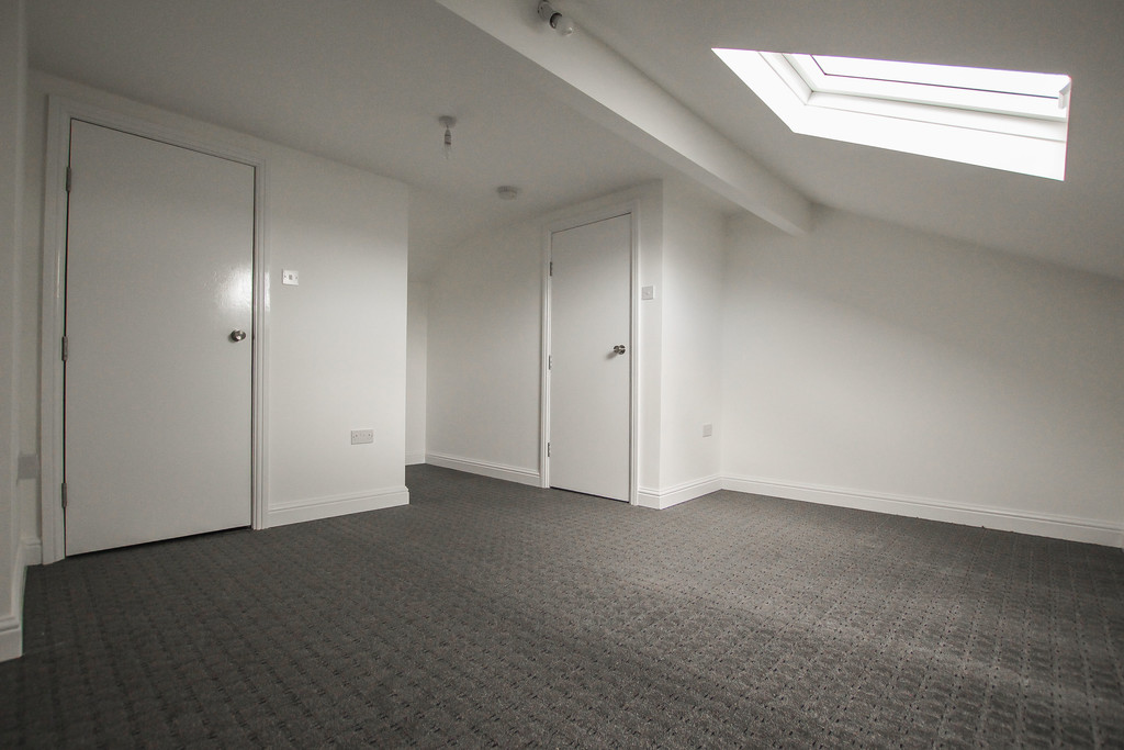 4 Bedroom Apartment Flat To Rent - Image 10