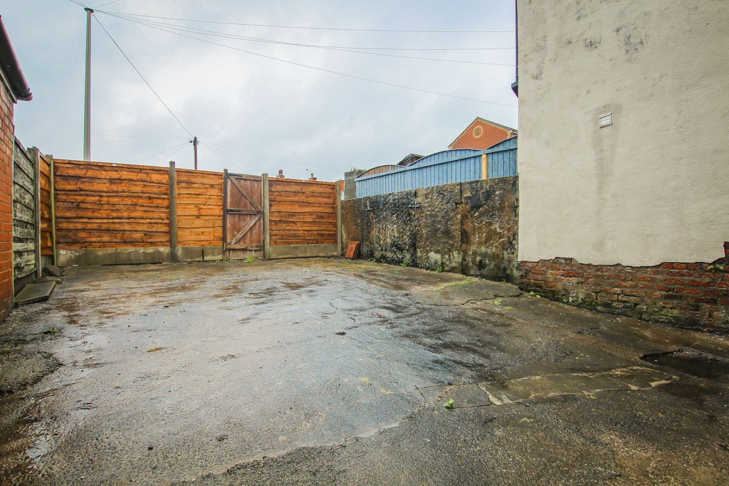 2 Bedroom End Terraced House To Rent - Image 12