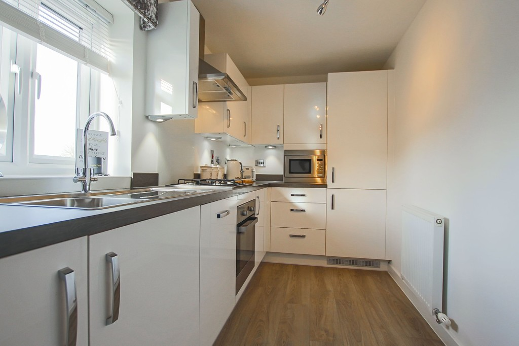 2 Bedroom Detached House To Rent - Image 16