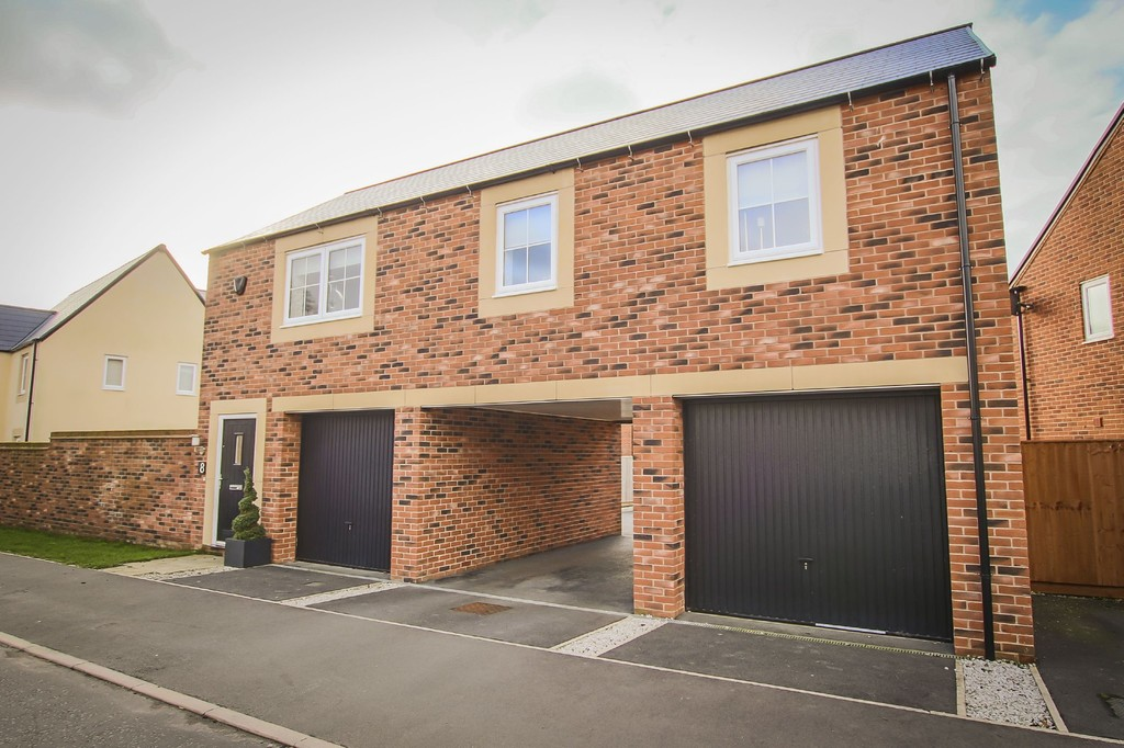 2 Bedroom Detached House To Rent - Image 2