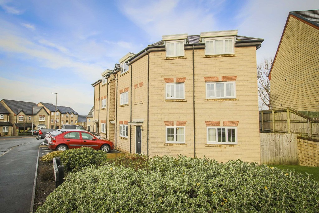 2 Bed Flat To Rent - Main Image