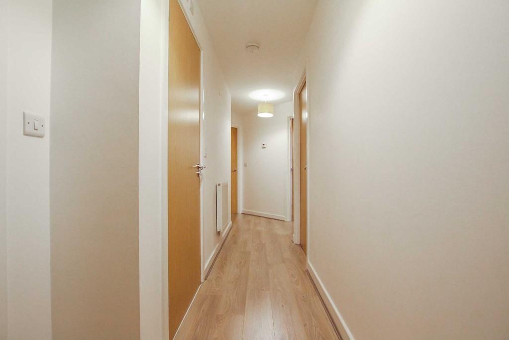 2 Bedroom Flat To Rent - Image 7