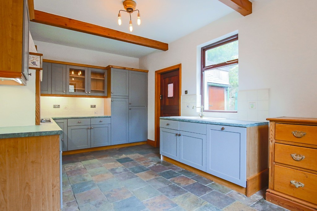 2 Bedroom Semi-detached House To Rent - Image 15