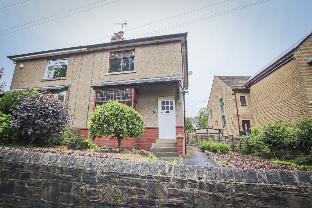2 Bedroom Semi-detached House To Rent - Image 12