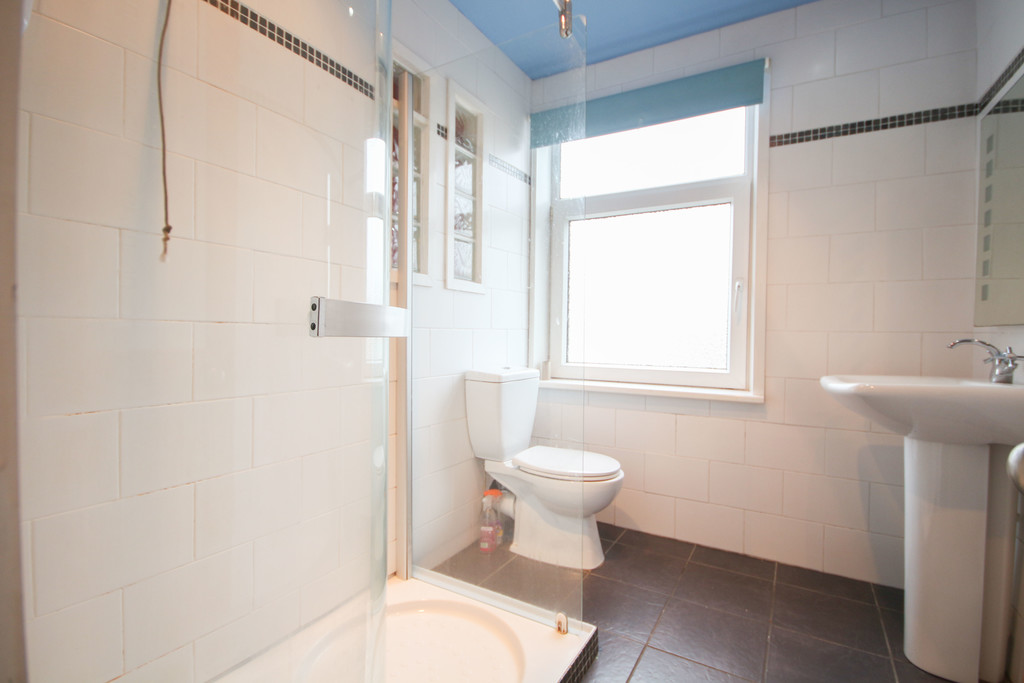 3 Bedroom End Terraced House To Rent - Image 12