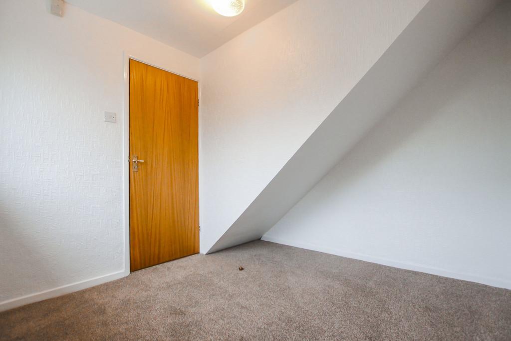 4 Bedroom Bungalow To Rent - Image 16