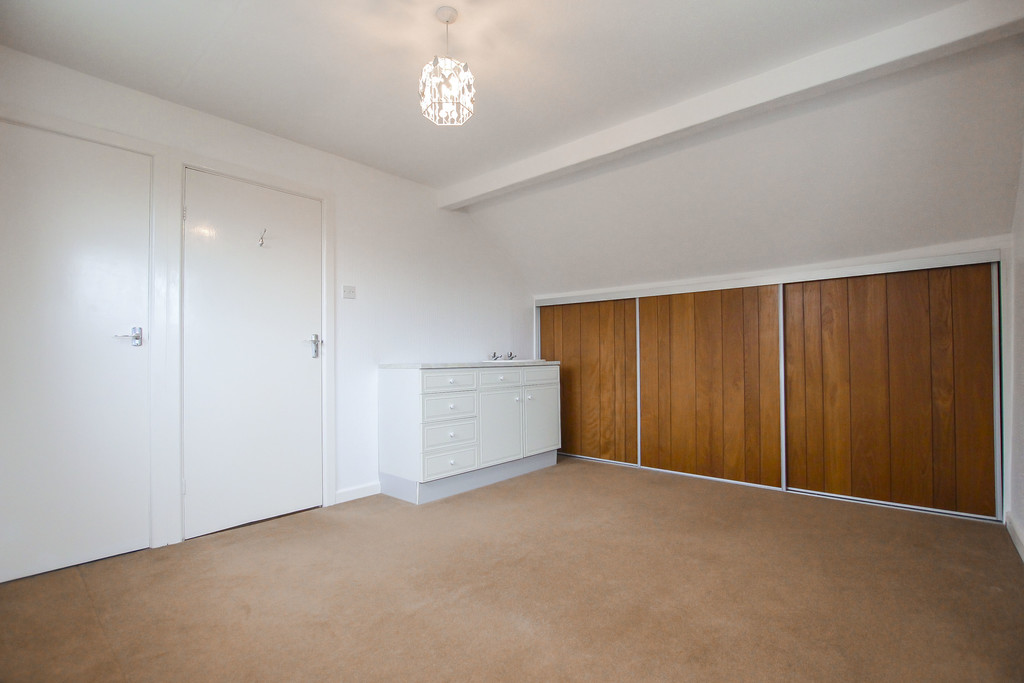 4 Bedroom Bungalow To Rent - Image 21