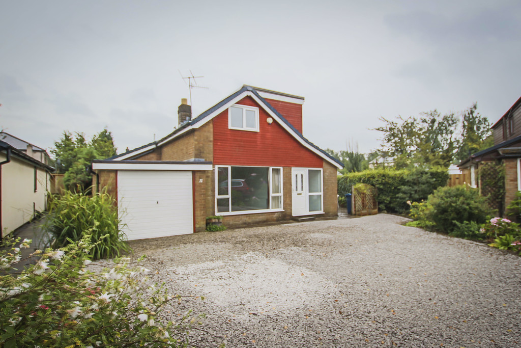 4 Bed Bungalow To Rent - Main Image