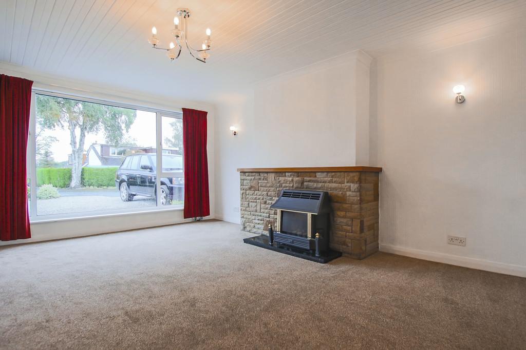 4 Bedroom Bungalow To Rent - Image 2