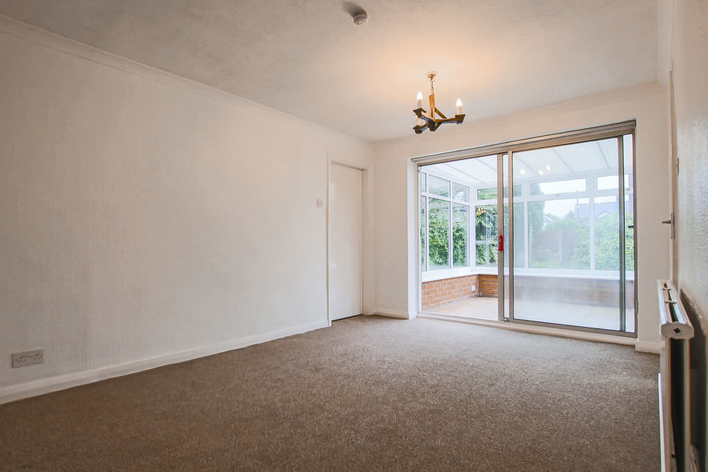 4 Bedroom Bungalow To Rent - Image 5